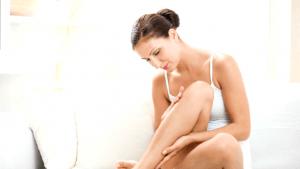 vrouw met droge benen